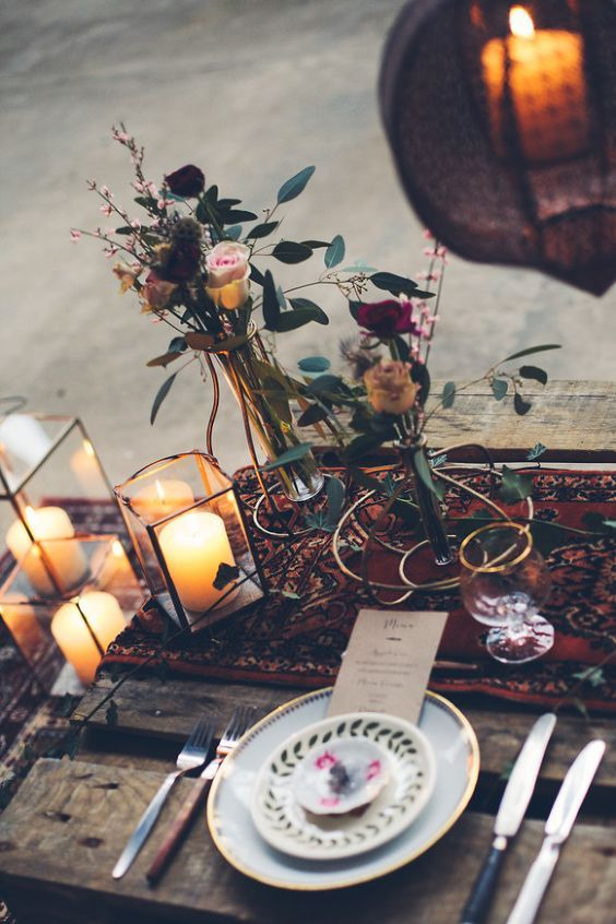 Table decor with roses and candles